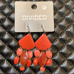 🆕H&M Pink Red Geo Chandler Fashion Earrings